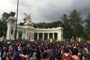 http://www.jornada.unam.mx/ultimas/2016/06/24/marchara-la-cnte-por-un-201cverdadero-dialogo201d-con-el-gobierno