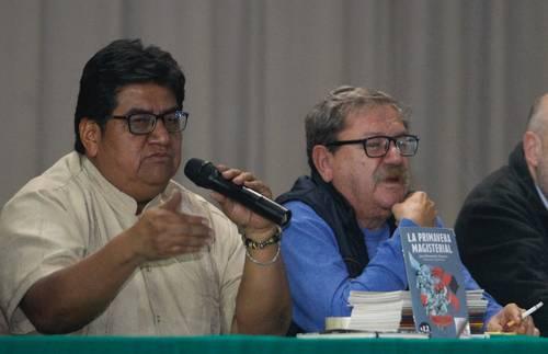 Pedro Hernández y Paco Ignacio Taibo II.